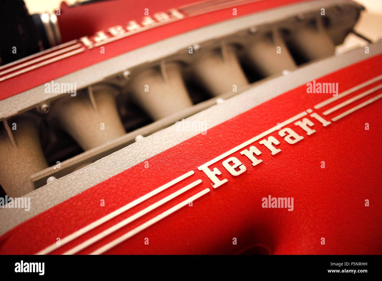 F140 Motore FC in mostra presso il Museo Ferrari a Maranello, Italia. Immagini Stock