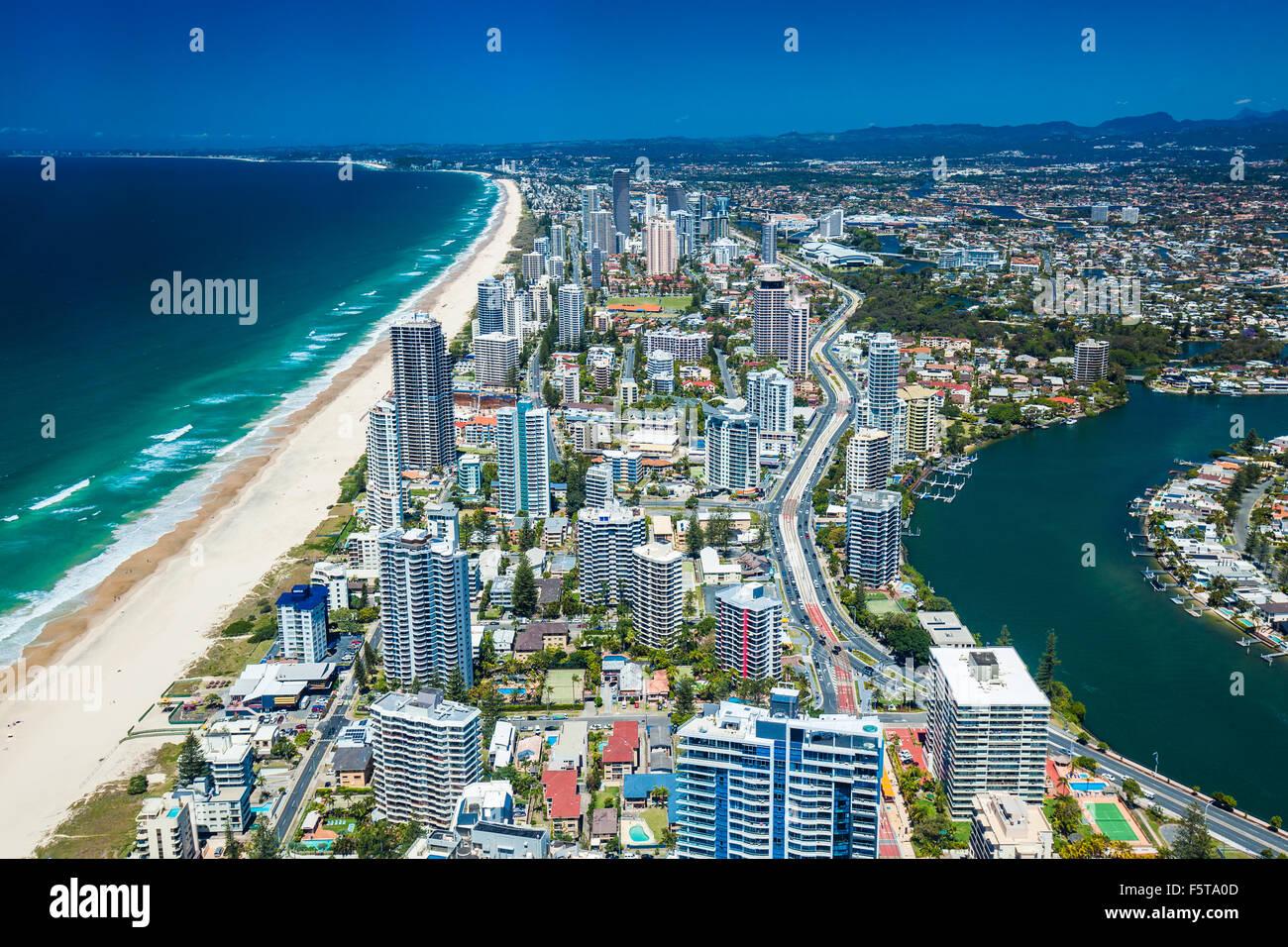 GOLD COAST, AUS - 04 OTT 2015: Veduta aerea della Gold Coast di Queensland in Australia alla ricerca da Surfers Foto Stock