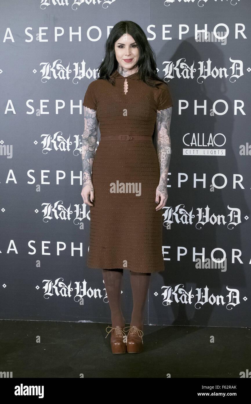Tattoo Artist Kat Von D presenta la sua nuova linea di trucco per Sephora a cine Callao luci della città di Immagini Stock