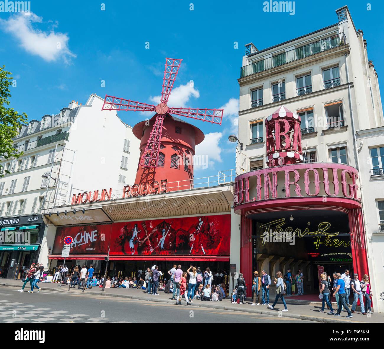 Moulin Rouge, da Montmartre, Parigi, Ile-de-France, Francia Immagini Stock
