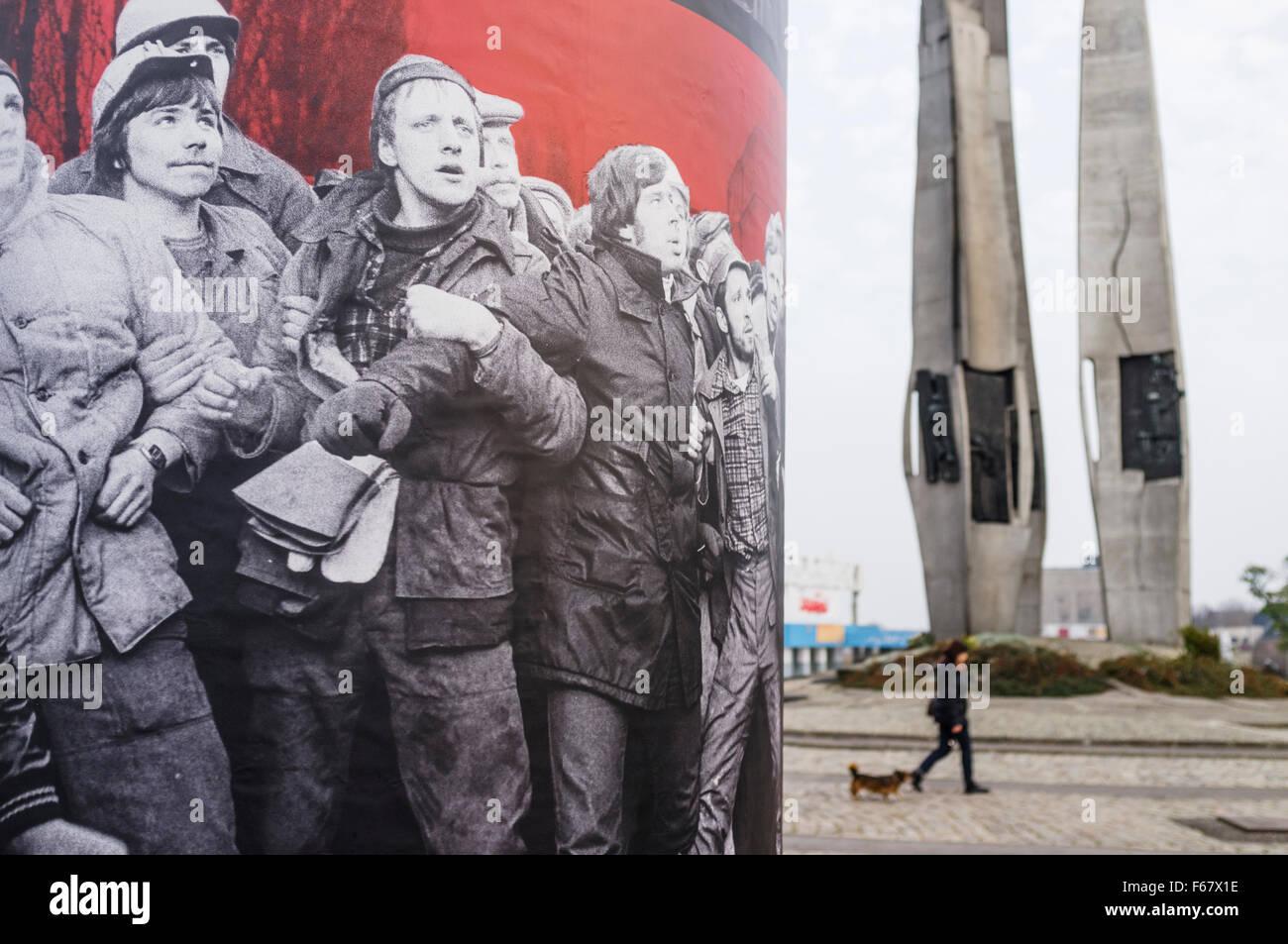 Monumento ai Caduti i lavoratori del cantiere di 1970 e la solidarietà europea centro dedicato alla storia Immagini Stock