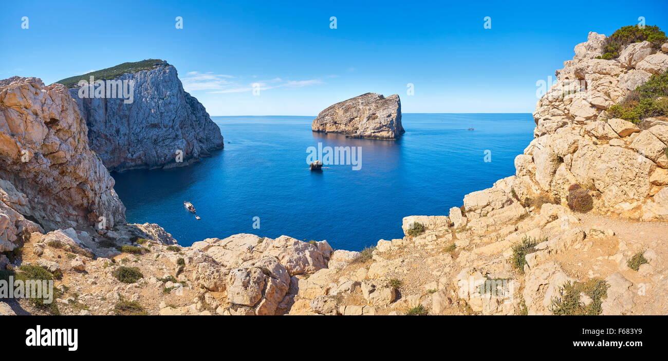 La linea costiera di Porto Conte Parco Nazionale, Alghero, Sardegna, Italia Immagini Stock