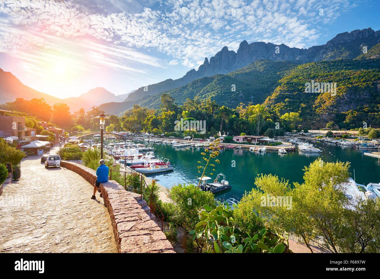 Il villaggio di Porto, Les Calanches, Golfe de Porto, Corsica, Francia, UNESCO Immagini Stock
