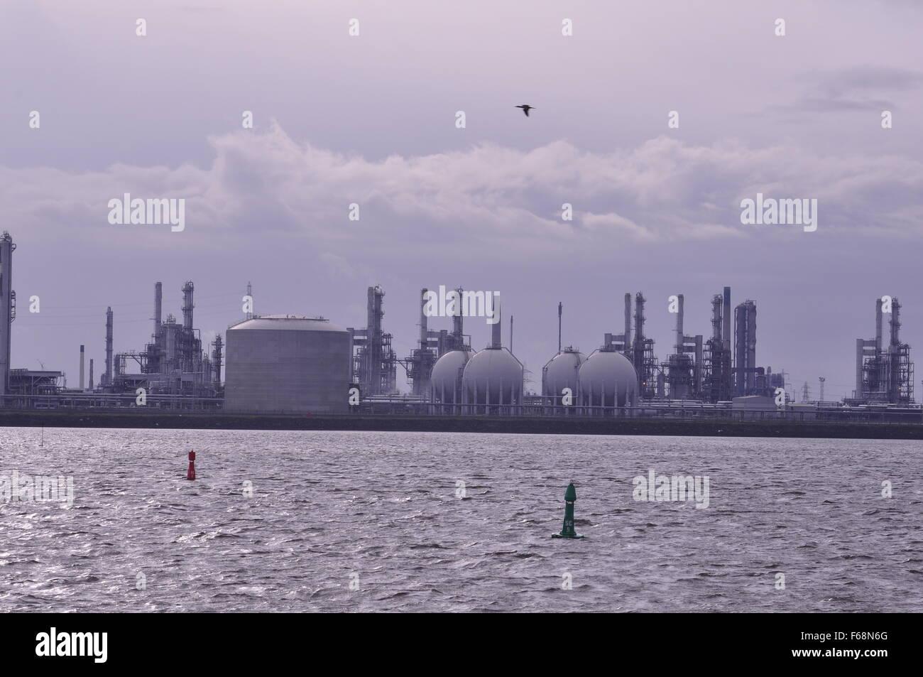 L'industria rotte Teesport Tees Bocca dell'industria dei combustibili fossili serbatoio del carburante serbatoi Immagini Stock