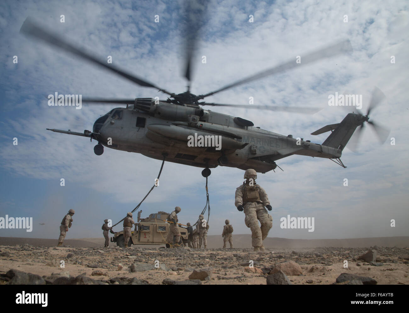Stati Uniti Marines con supporto di atterraggio Company, 1 supporto per il trasporto battaglione, 1a combattere Immagini Stock