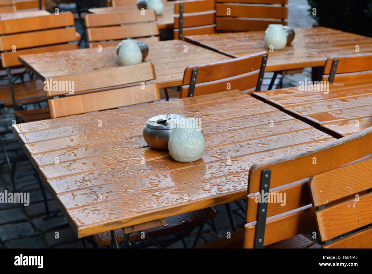 Lampadario Allaperto : Posacenere in metallo bianco e lampadari in vetro per candele sui