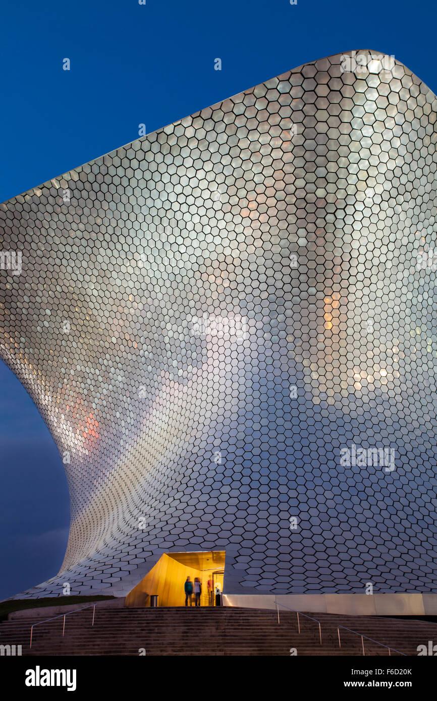 Ingresso al Museo Soumaya d'arte in città del Messico. Immagini Stock