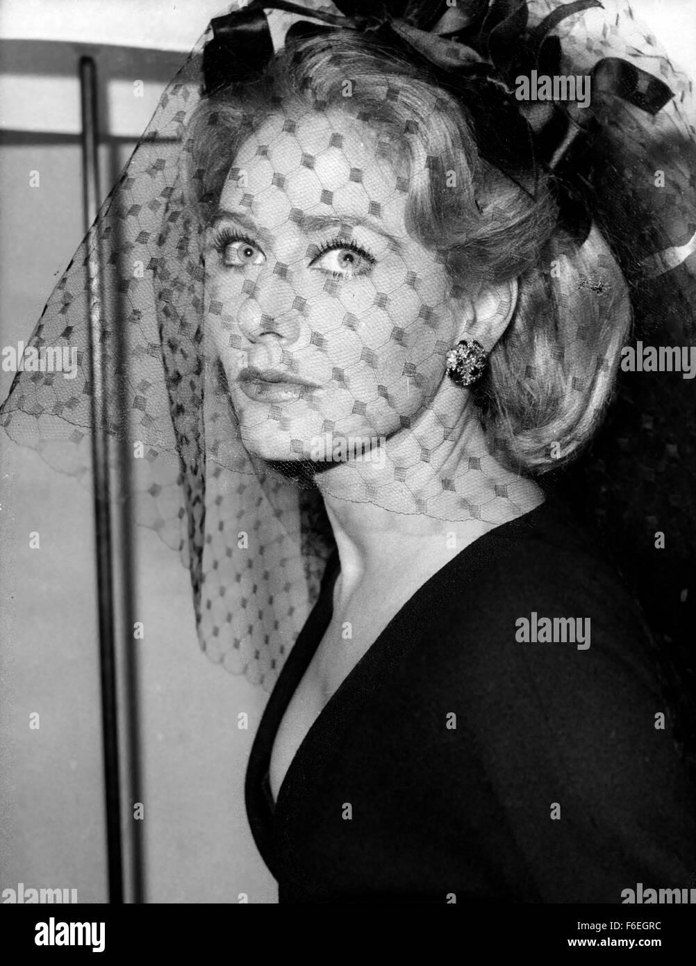 Luglio 10, 1962 - Parigi, Francia - Il nuovo film di Pierre Grimblat 'l'impero della notte' ha portato Eddie Costantino Foto Stock
