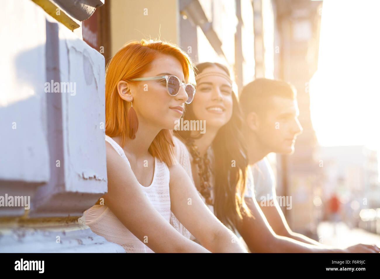 Raffreddare i giovani in stile hippie fashion Immagini Stock