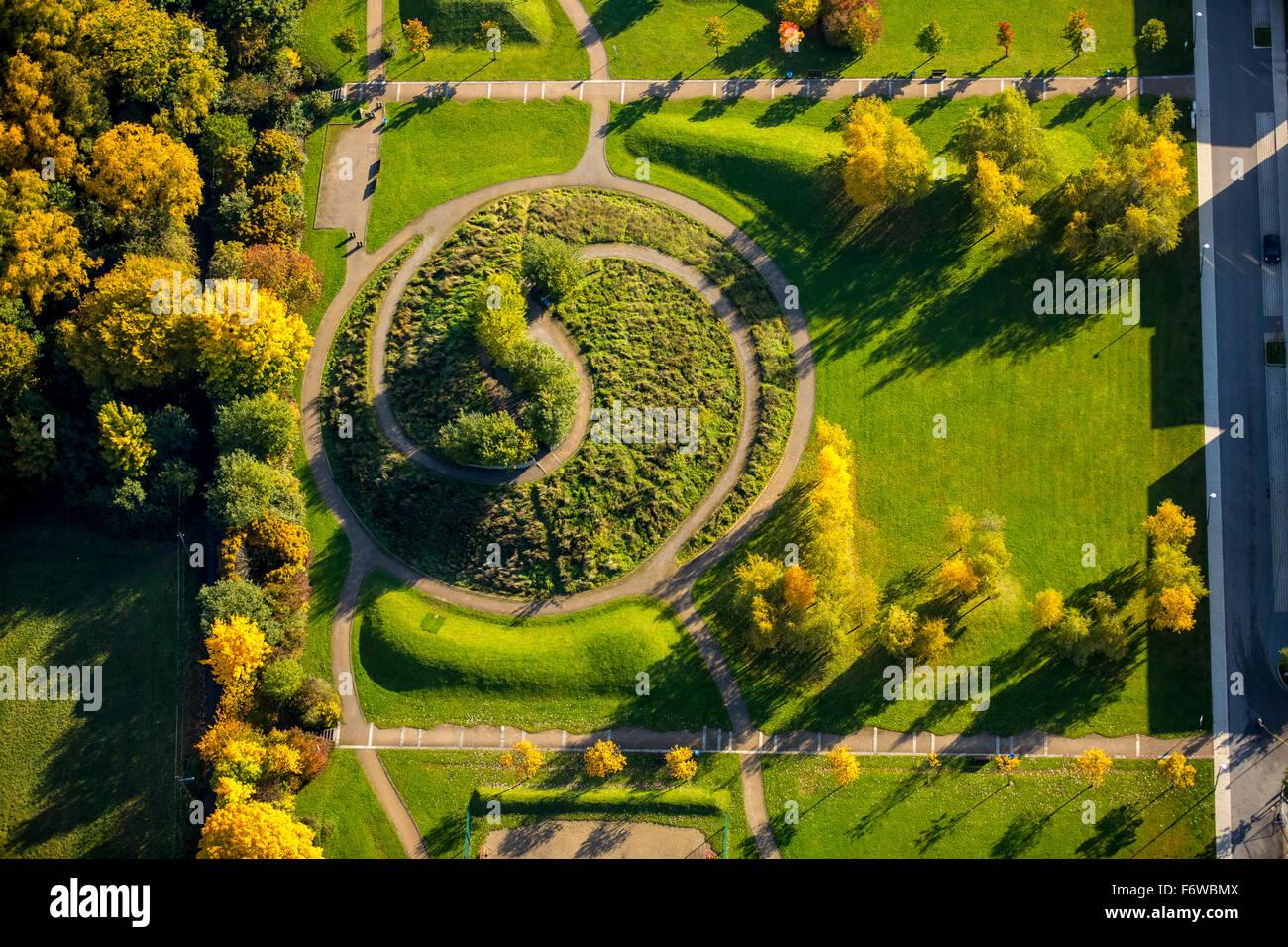 Ying yang segno, altezza Dilldorfer Kupferdreh, giardino, landmark, Essen, la zona della Ruhr, Renania settentrionale Immagini Stock
