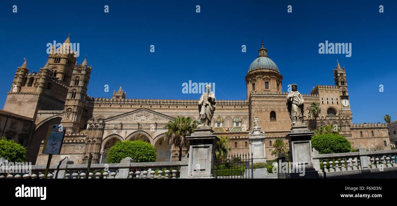 Panorama della cattedrale di Palermo, Sicilia, Italia Immagini Stock