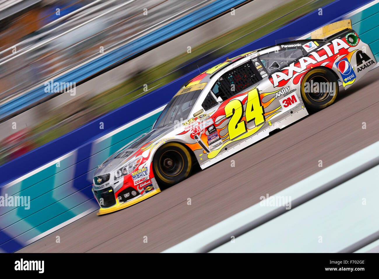 Homestead, FL, Stati Uniti d'America. Xxi Nov, 2015. Homestead, FL - Nov 21, 2015: Jeff Gordon (24) pratiche Immagini Stock