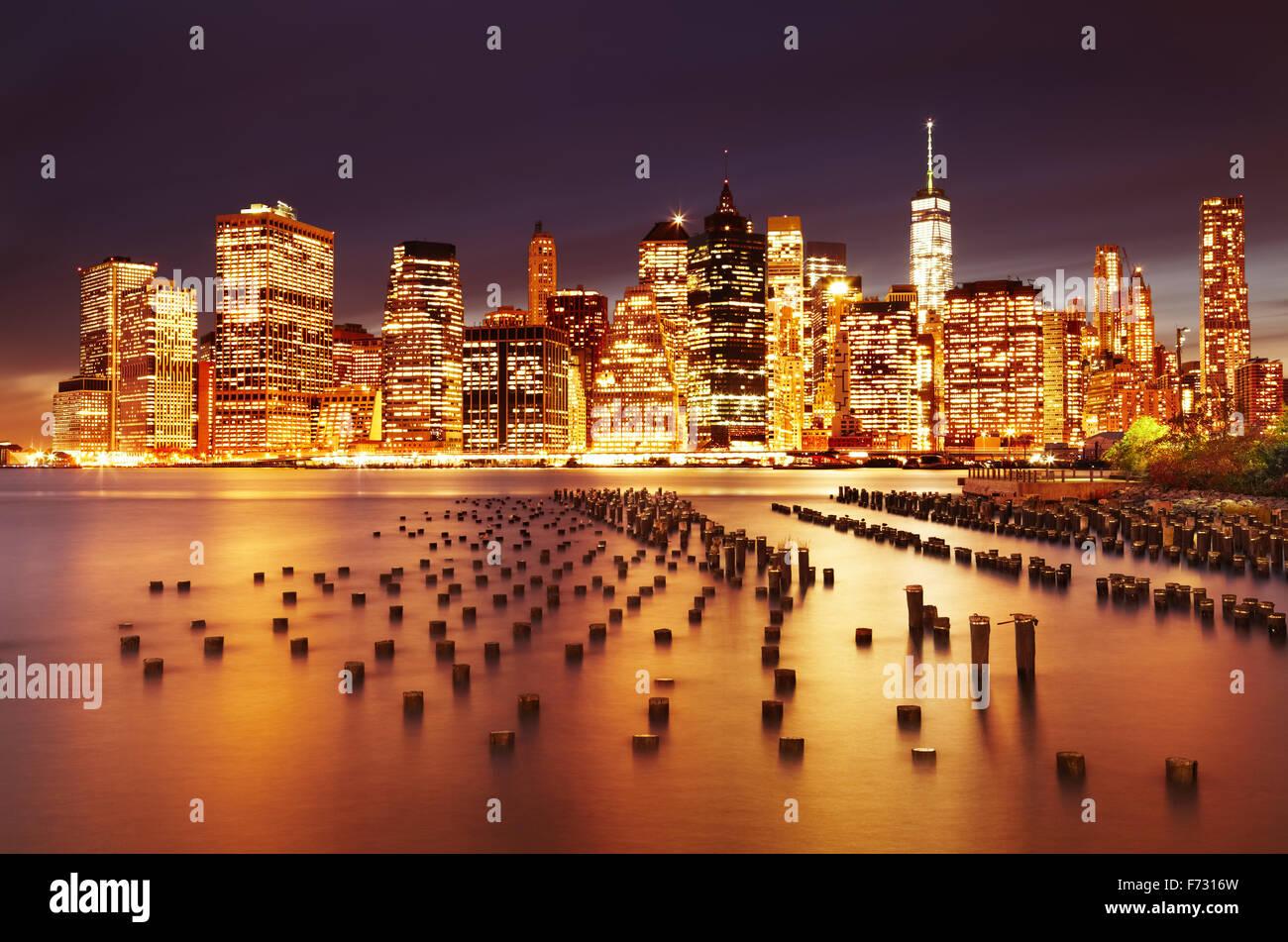 La città di New York Manhattan inferiore, vista dal Ponte di Brooklyn Park Immagini Stock