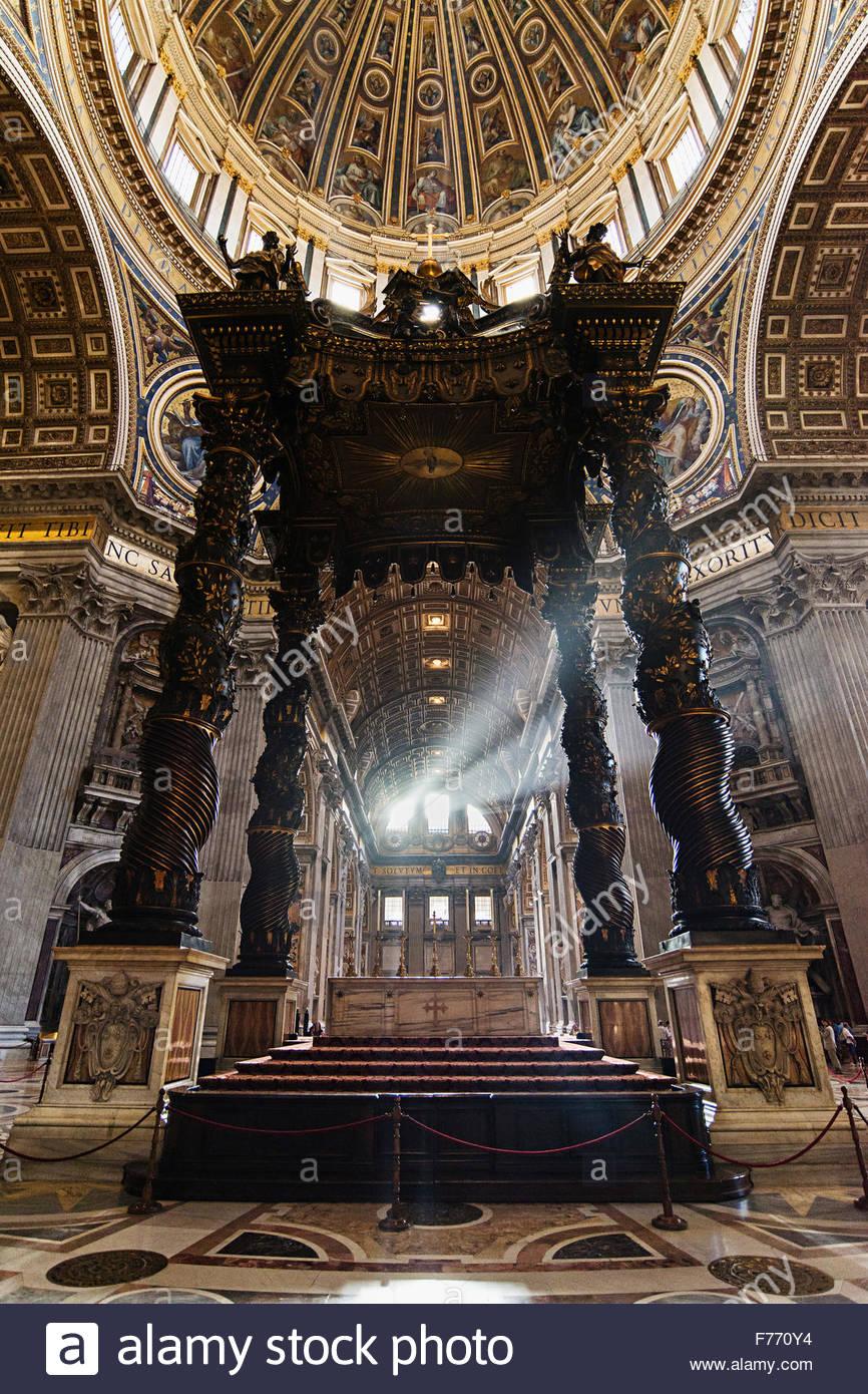 La Basilica di San Pietro e Città del Vaticano Immagini Stock