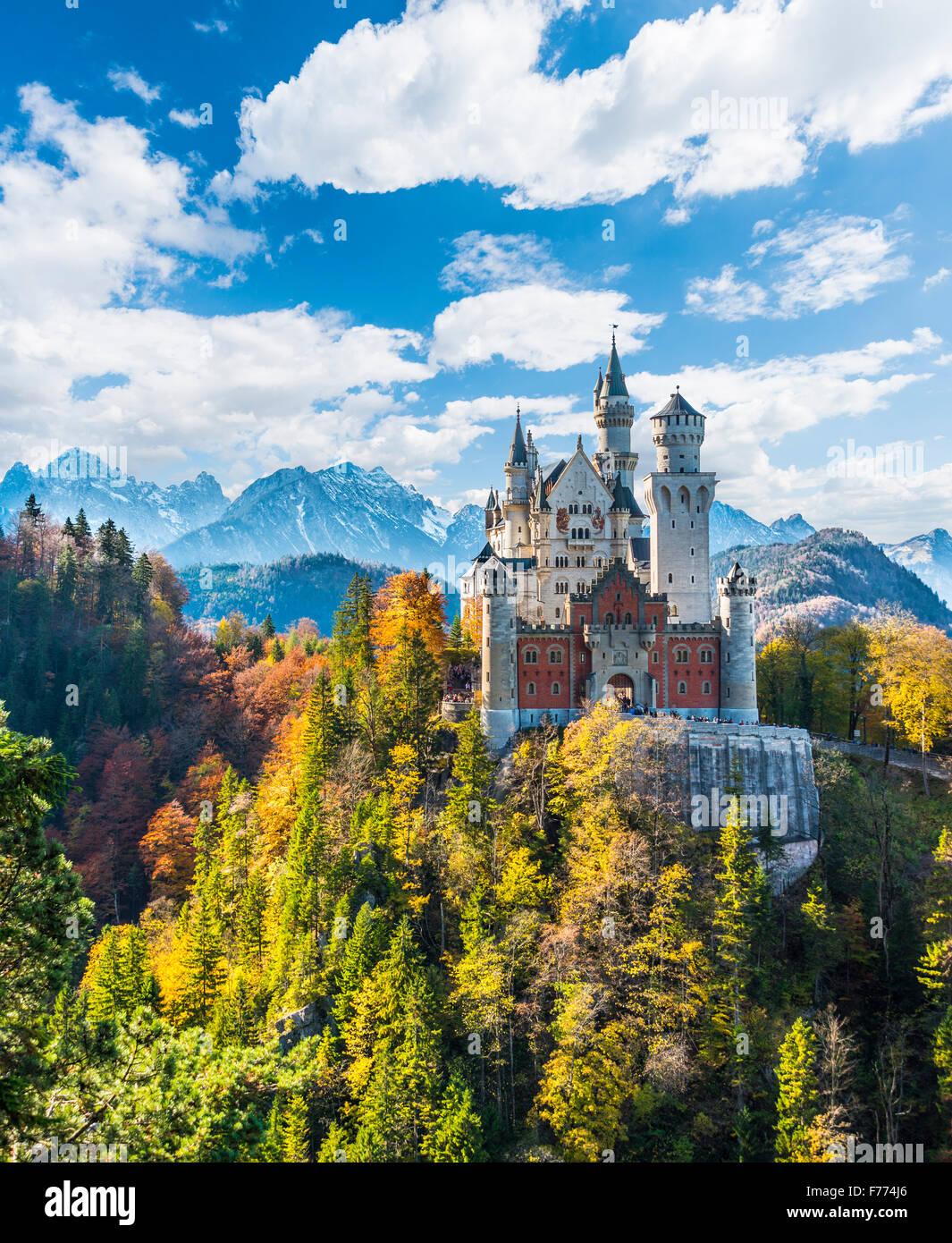 Il Castello di Neuschwanstein, Schwangau, Ostallgäu, Algovia, Svevia, Alta Baviera, Baviera, Germania Immagini Stock