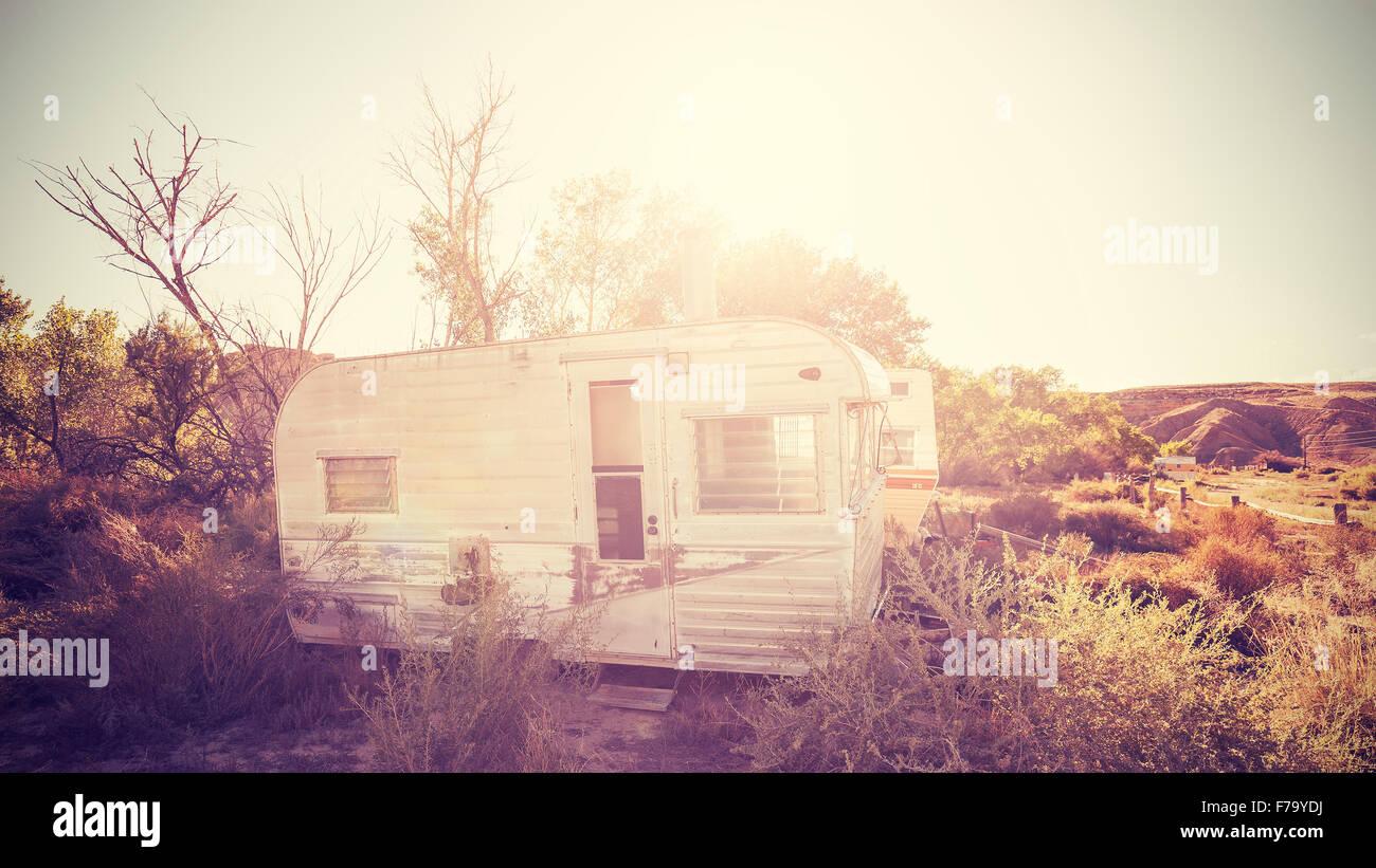 Vintage immagine stilizzata di vecchi rimorchi, USA campagna. Foto Stock