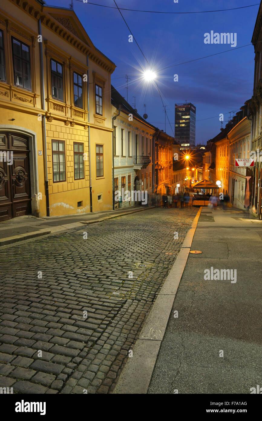 Zagabria notte, città alta, Radiceva street Immagini Stock