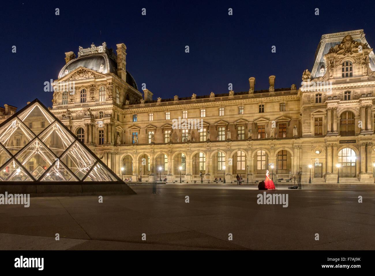 Il Louvre a Parigi Immagini Stock