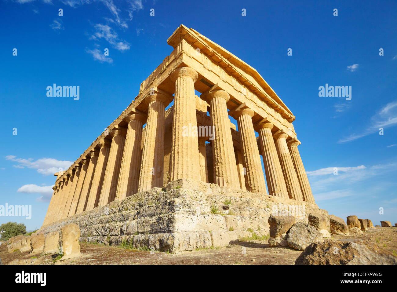 Tempio della Concordia e Valle dei Templi (Valle dei Templi, Agrigento, Sicilia, Italia UNESCO Immagini Stock
