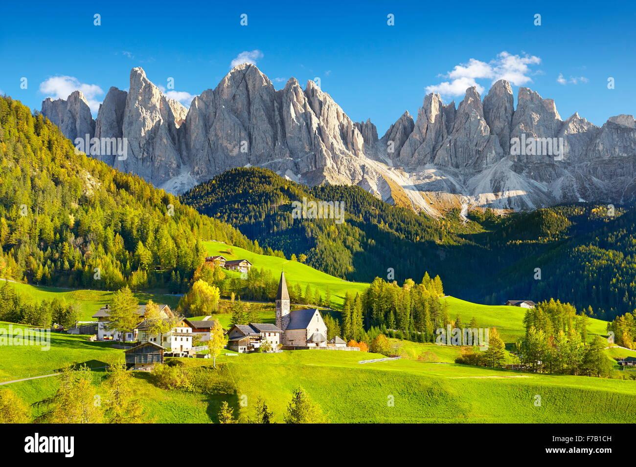 Puez Odle Parco naturale Dolomiti, montagne, Alpi europee, Alto Adige, Italia Immagini Stock
