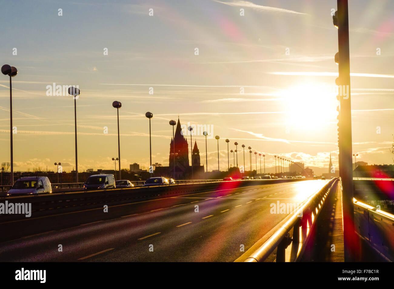 Vienna, Franz von Assisi Chiesa, Mexikoplatz, Ponte Reichsbruecke, Austria, 2. distretto Immagini Stock