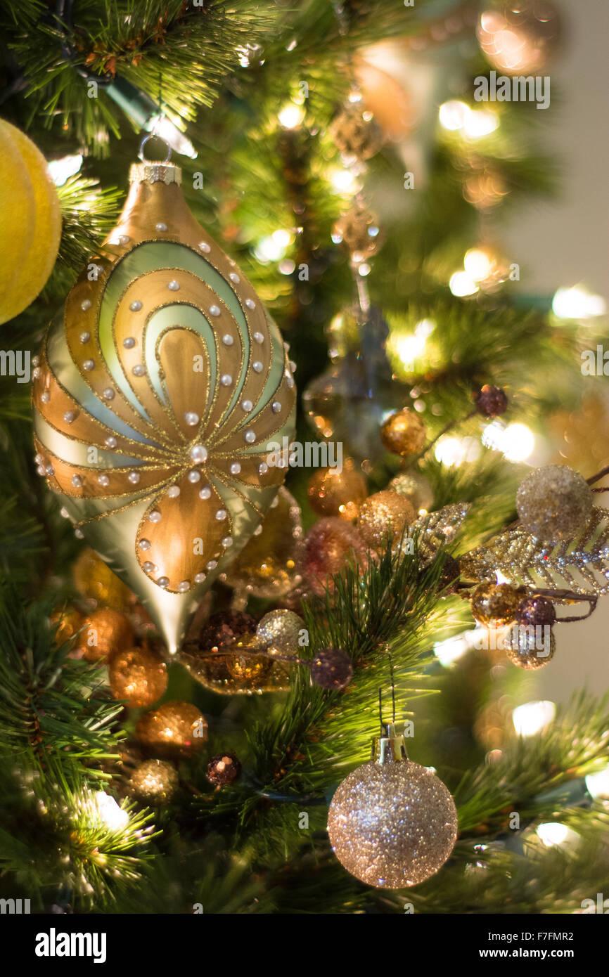 Bellissime Foto Di Natale.Bellissime Decorazioni Di Natale Sono Appesi Su Un Elegante