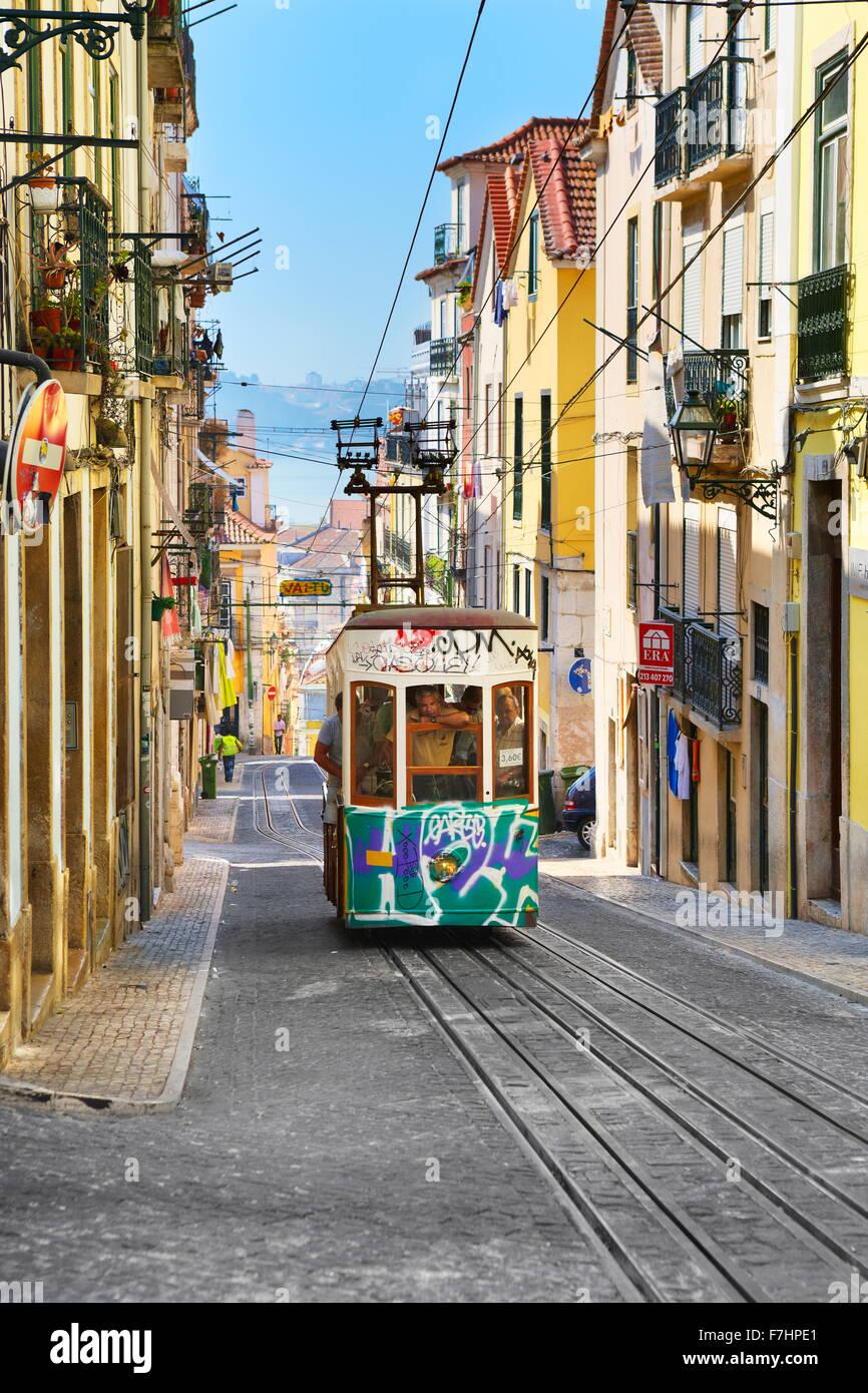 """Tram di Lisbona, """"Elevador da Bica' Portogallo Immagini Stock"""