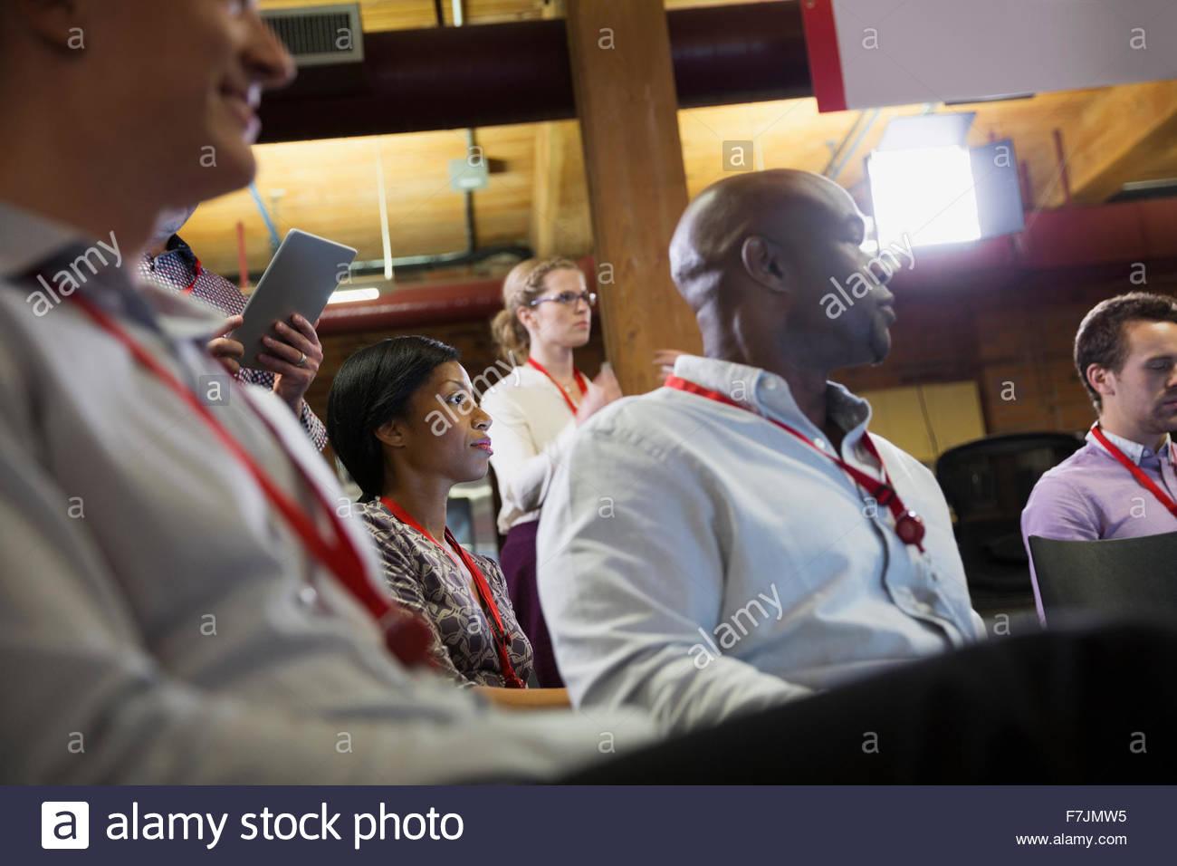 La gente di affari in udienza di conferenza Immagini Stock