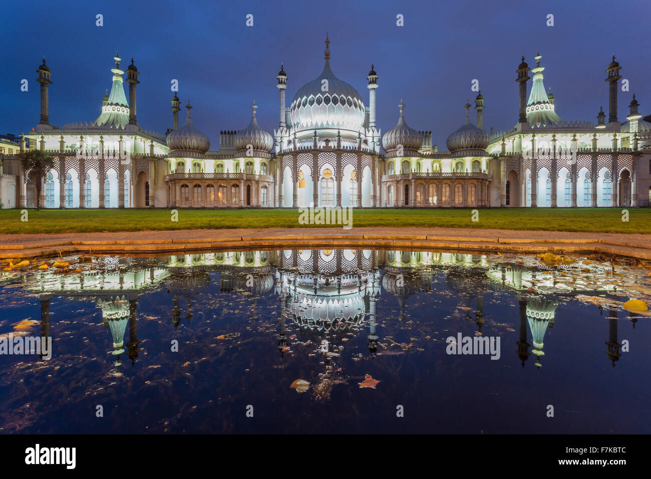 Serata al Royal Pavilion in Brighton, East Sussex, Inghilterra. Immagini Stock