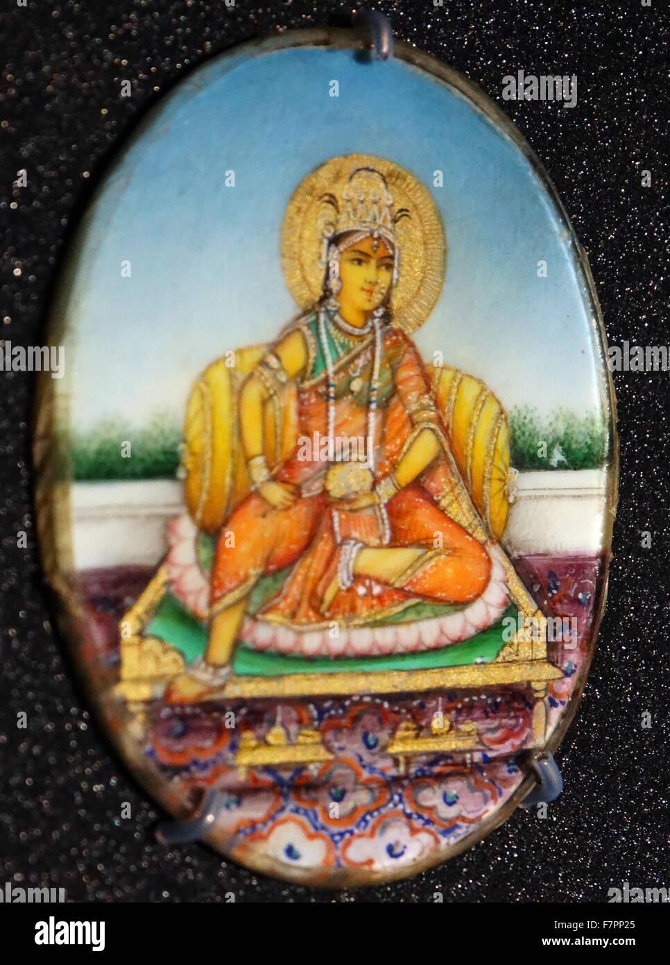 Divinità indù, Sarasvati . Da una collezione di roundels della divinità Indù. Gouache su avorio Immagini Stock