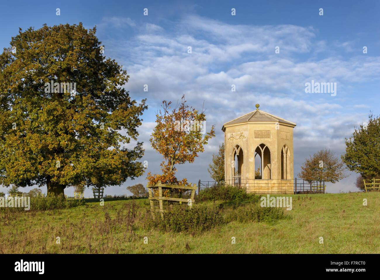 Il Gotico Umbrello a Stowe, Buckinghamshire. Stowe è un palazzo del diciottesimo secolo giardino paesaggistico Immagini Stock