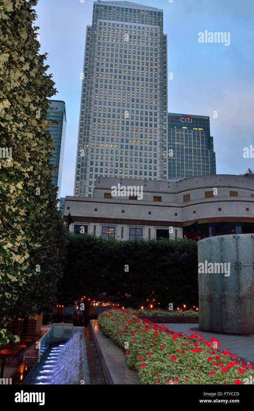 Una normale giornata in Canary Wharf, uno dei due centro finanziario di Londra Immagini Stock