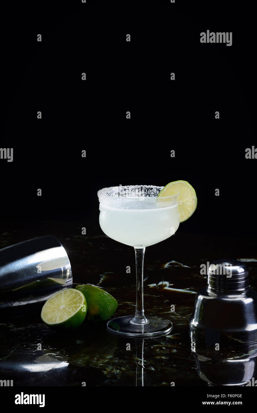 Margarita con shaker e calce Immagini Stock