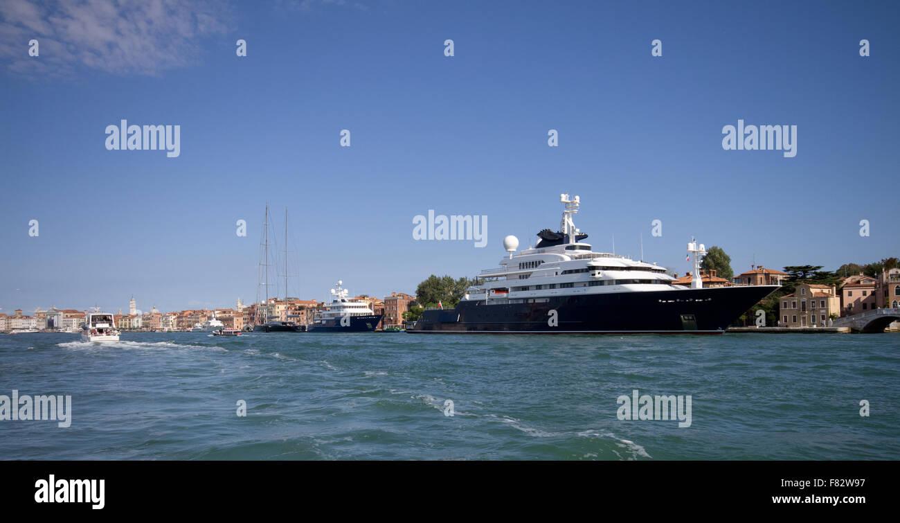 Super Yacht Octopus a Venezia Immagini Stock