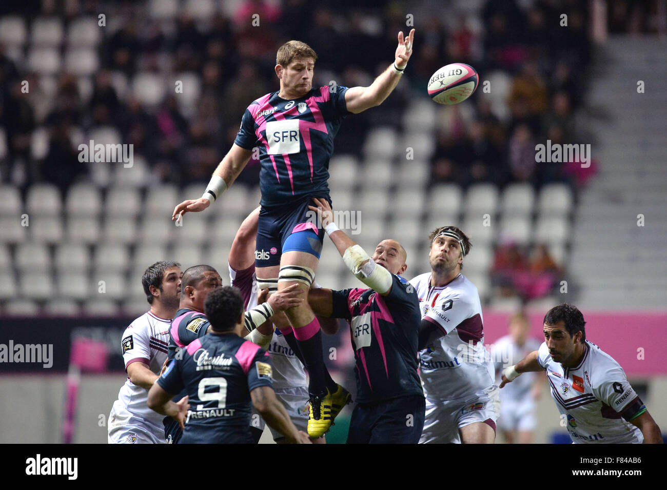 Parigi, Francia. 05 Dic, 2015. Top 14 Rugby Union. Stade Francais contro il Bordeaux Begles. PASCAL PAPE (sf) vince Immagini Stock