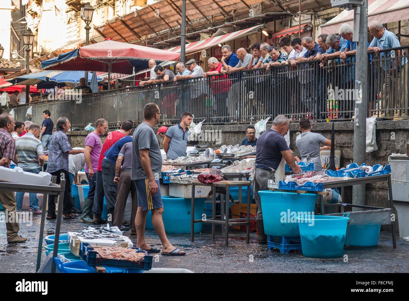 Market In Catania Immagini   Market In Catania Fotos Stock - Alamy bccab1a66a7