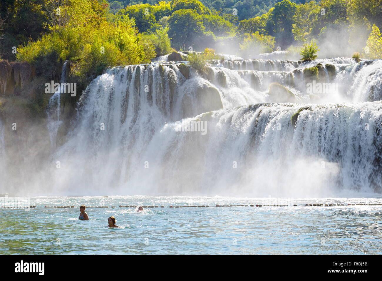 Cascate di Krka, Parco Nazionale di Krka, Croazia, Europa Immagini Stock