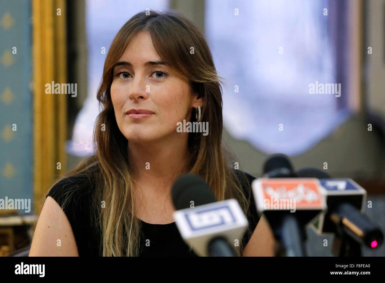 """Maria Elena Boschi Roma 09-12-2015 Palazzo Ferrajoli. Presentazione del libro """"L'altra faccia della medaglia Immagini Stock"""