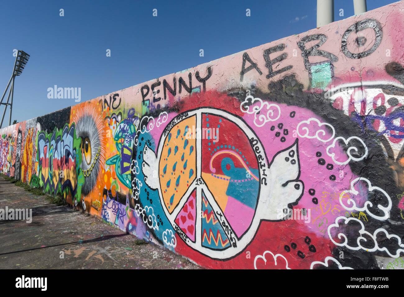 Graffiti, Mauerpark, Prenzlauer Berg di Berlino Immagini Stock