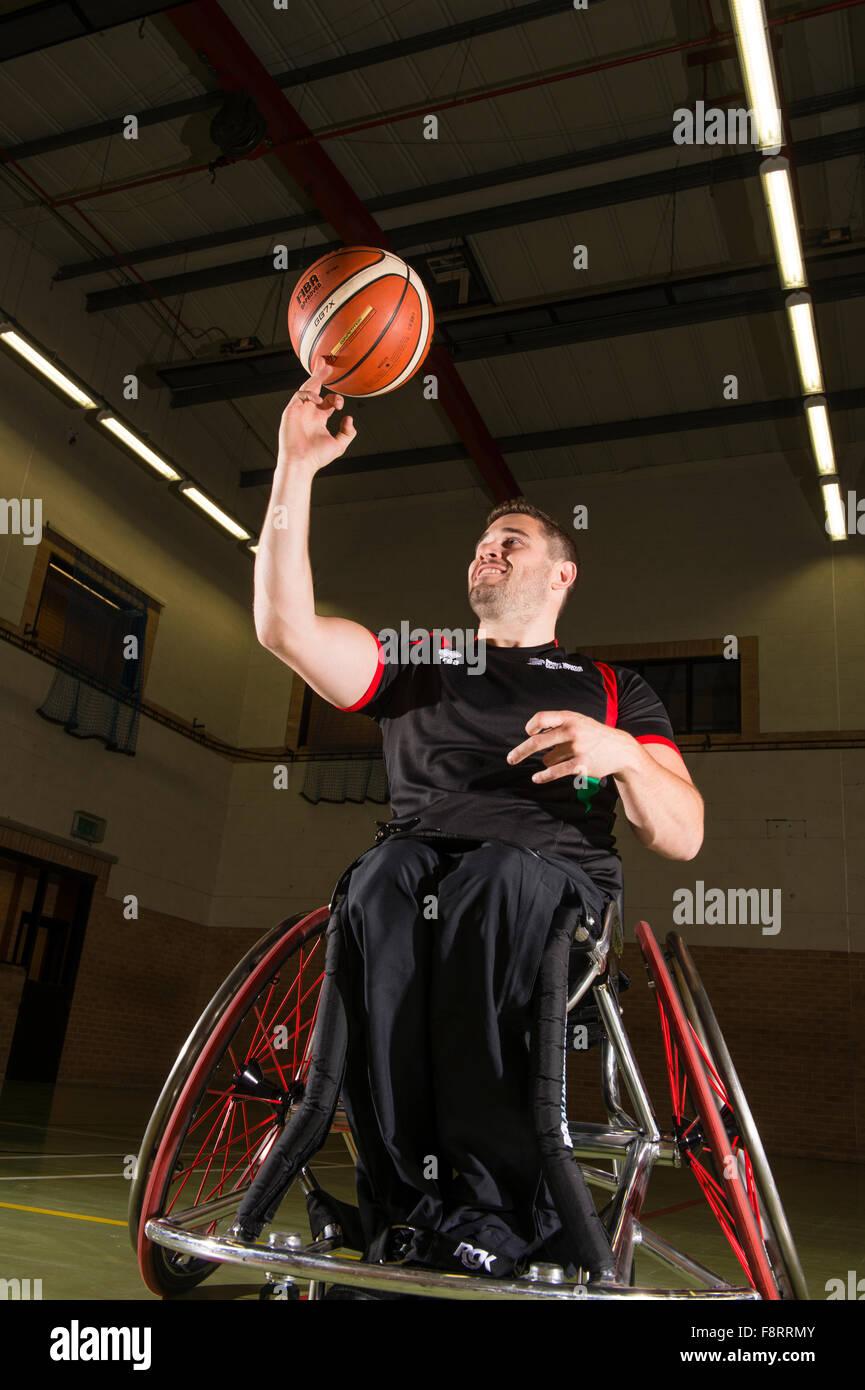 Rhys Lewis, disabili, sedia utilizzando welsh sport giocatore di basket, atleta, Wales UK Immagini Stock