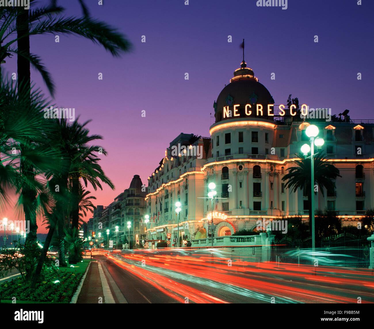 Promenade des Anglais e il Negresco Hotel, Nizza Cote d'Azur, in Francia Immagini Stock