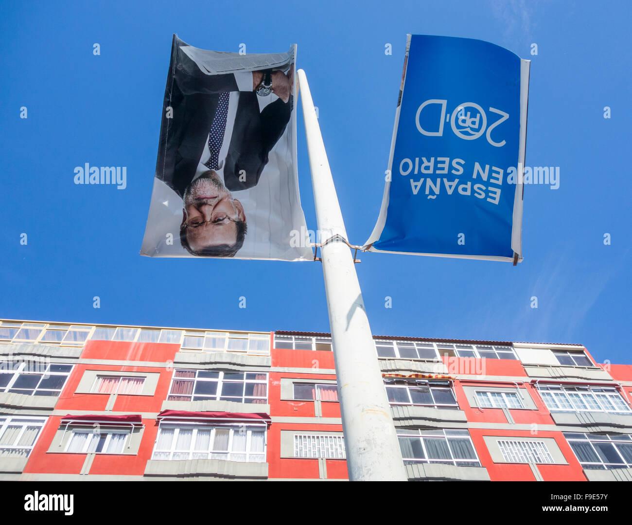 Las Palmas de Gran Canaria, Isole Canarie, Spagna. Xvi Dec, 2015. Poster della campagna per il PP ( Partido Popular), Immagini Stock