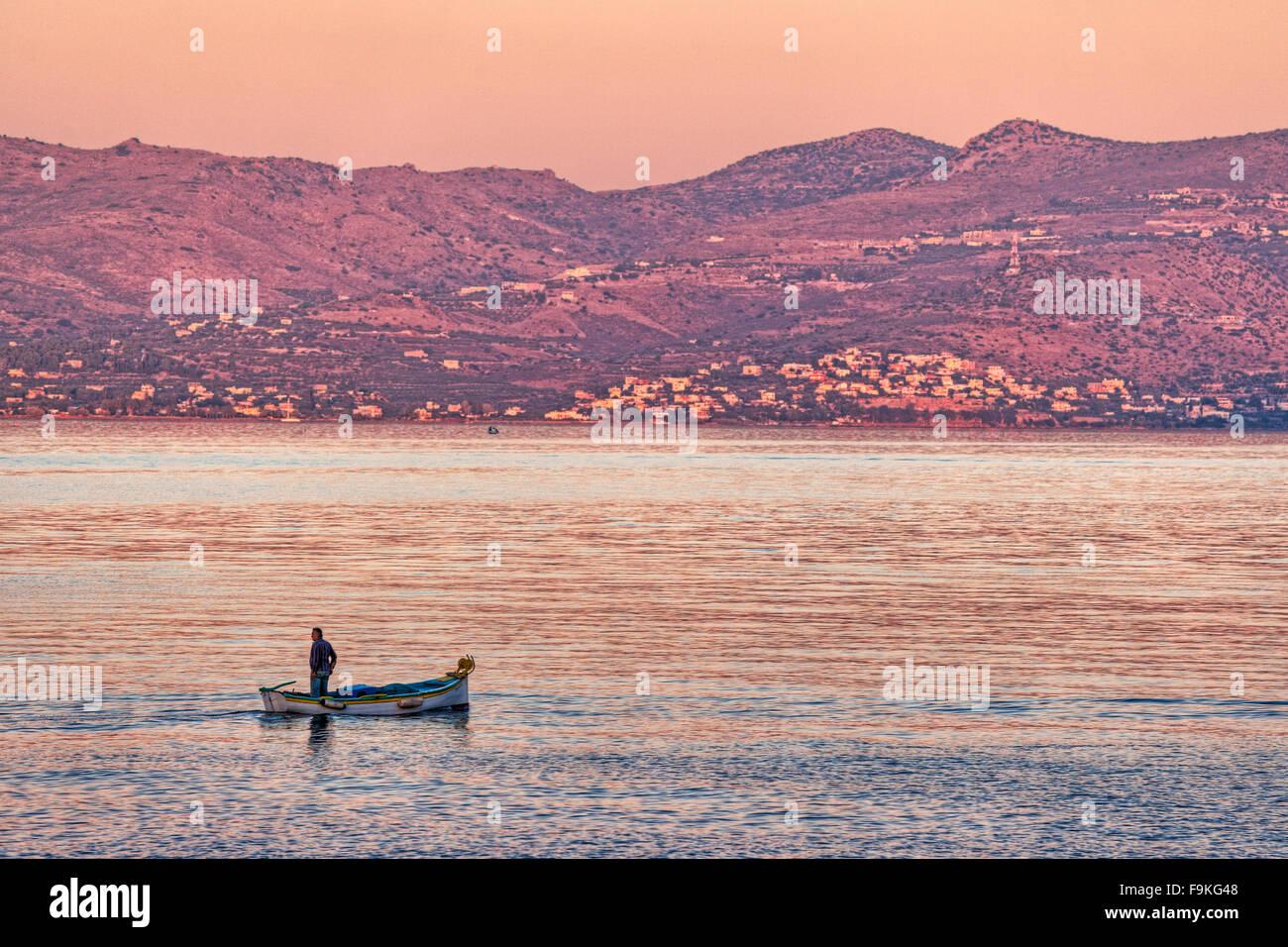 Una barca da pesca in Agistri Island, Grecia Immagini Stock