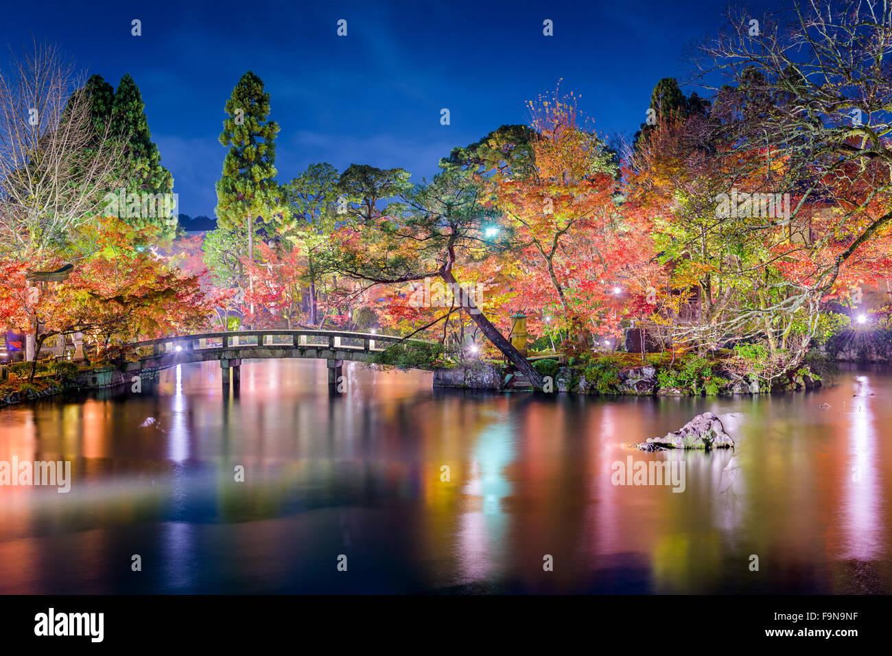 Kyoto, Giappone a Eikando Giardino di notte in autunno. Foto Stock
