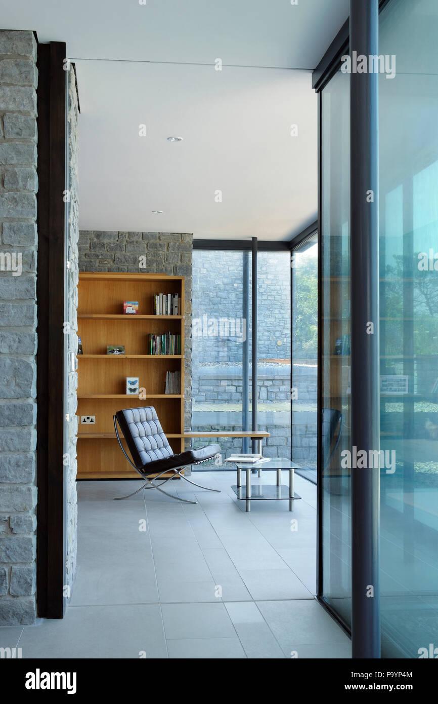 Divisori In Legno Interni gli spazi interni di una casa moderna sulla scogliera che si