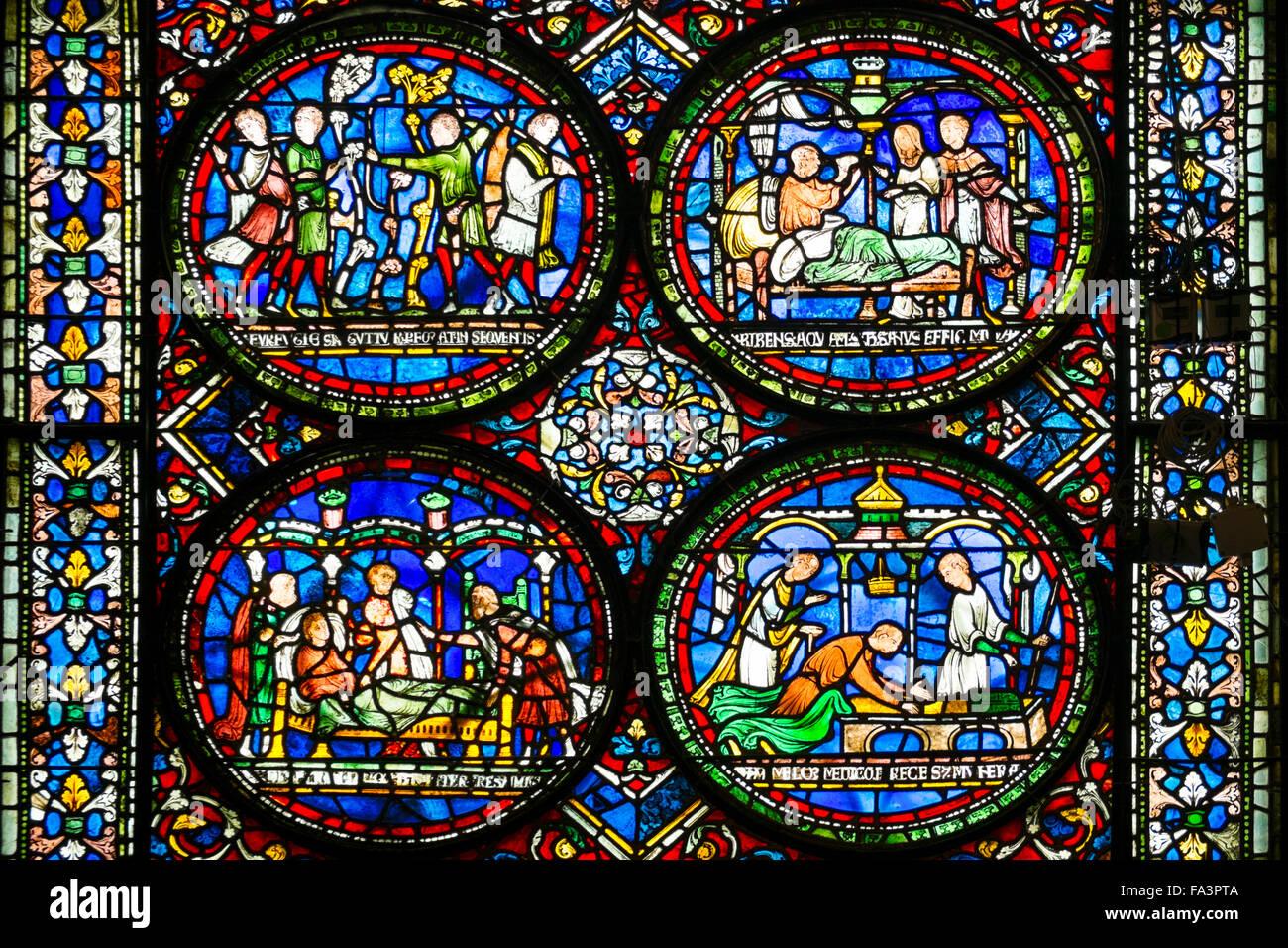 Medieval vetrate nella cattedrale di Canterbury Immagini Stock