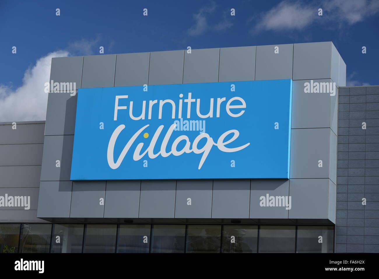 Il villaggio di mobili logo, negozio di Solihull, Regno Unito Immagini Stock
