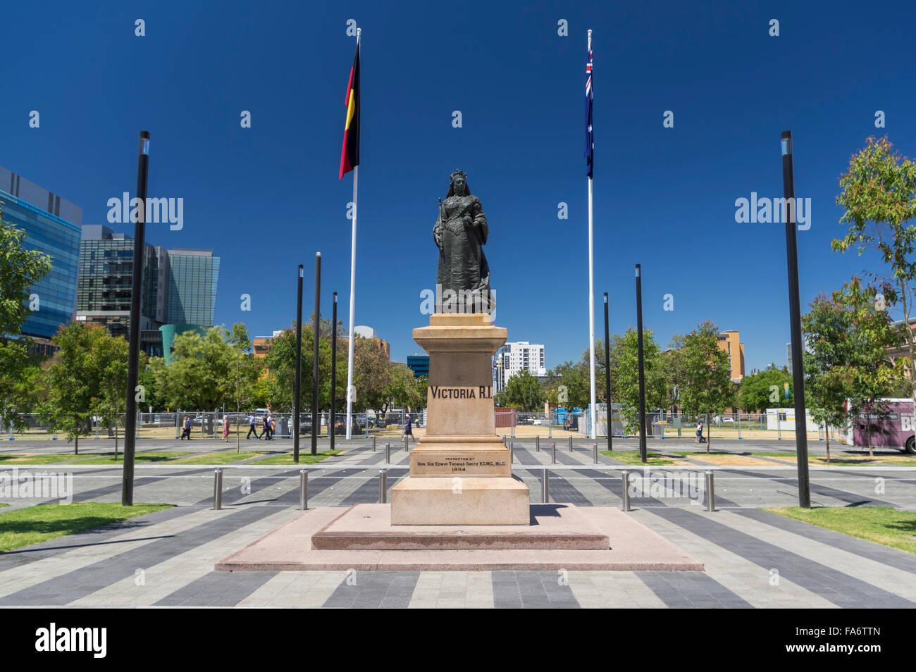 Statua della regina Victoria di Victoria Square/Riconciliazione Plaza ad Adelaide nel Sud Australia. Eretto nel Foto Stock