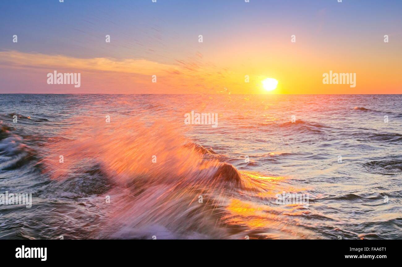 Tramonto al Mar Baltico Pomerania, Polonia Immagini Stock
