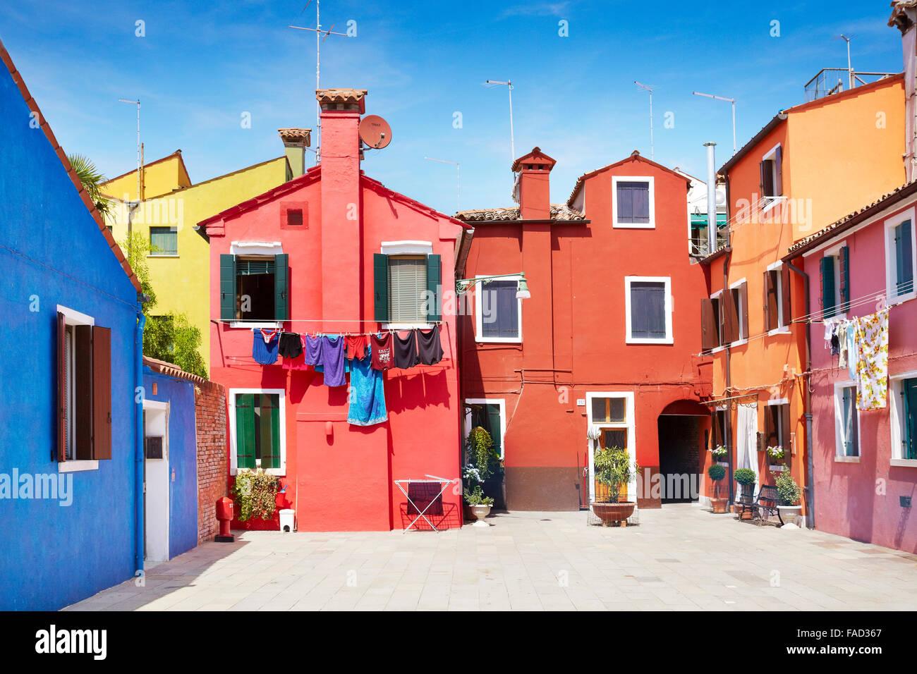 Caratteristiche case colorate nel villaggio di Burano vicino a Venezia in Italia (laguna di Burano Island), l'UNESCO Immagini Stock